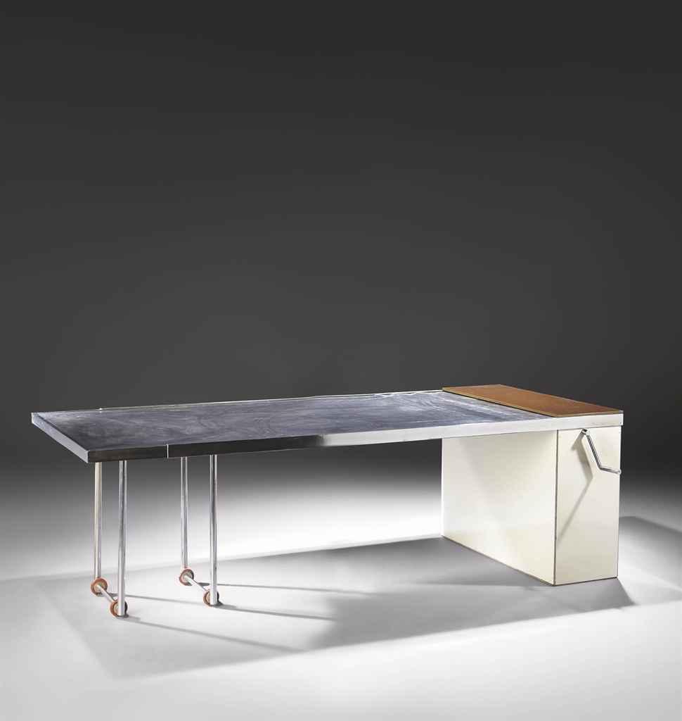 2011_PAR_01000_0020_000(charlotte_perriand_table_extensible_de_luxe_1930)