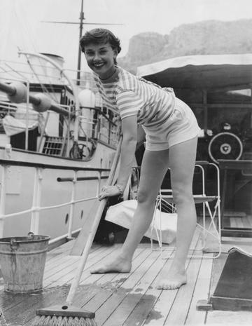 Audrey-Hepburn-e-il-suo-stile-perfetto_image_ini_620x465_downonly (4)